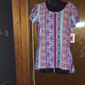 Tops - Women's top!! NWT! Size M